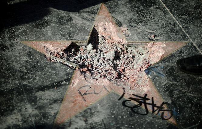Independent: власти Голливуда задумали лишить Трампа звезды