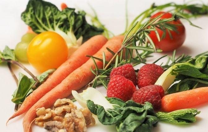 Ученые сообщили о наиболее полезной диете для продления жизни