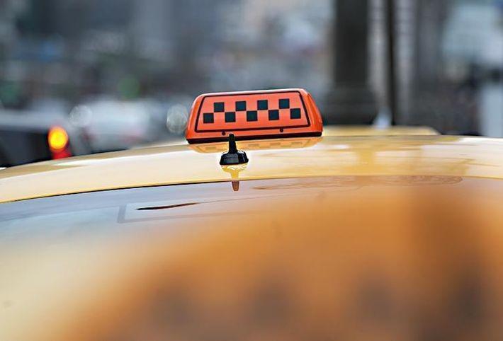 Француженка смогла отбиться от домогательств таксиста в центре Москвы