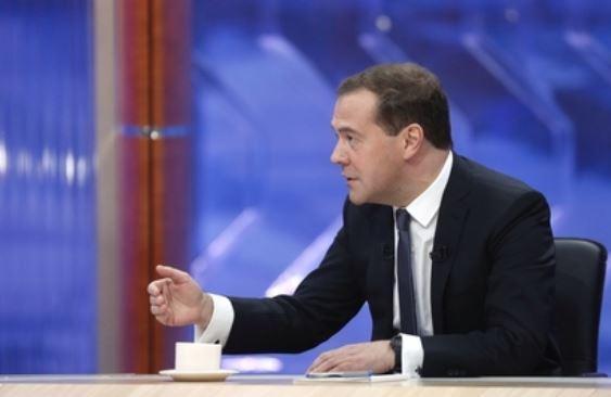 Медведев рассказал о цене американского и российского газа