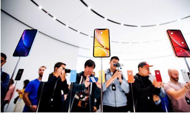 Блогер решил проверить iPhone XR на прочность