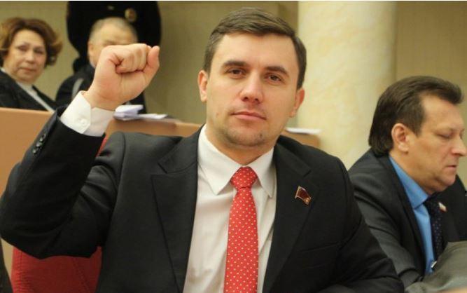 «Желание «все бросить» — постоянно в голове» : саратовский депутат поведал о сложностях «министерской диеты»