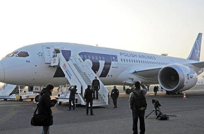 Пассажиры авиакомпании LOT были вынуждены
