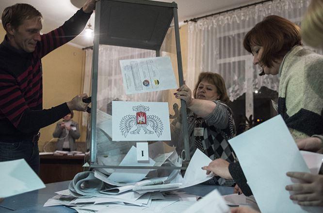 Путин отреагировал на критику выборов в Донбассе