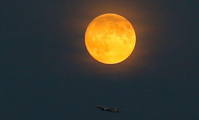 Стало известно, когда космонавты РФ высадятся на Луну