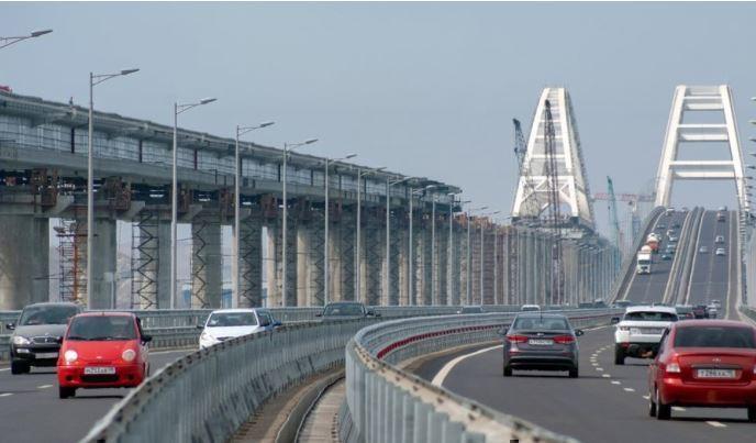«Скептикам посвящается»: Крымский мост помог жителям РФ сэкономить