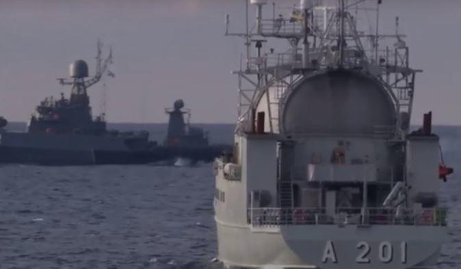 Минобороны обнародовало «торпедную дуэль» кораблей Балтийского флота (видео)