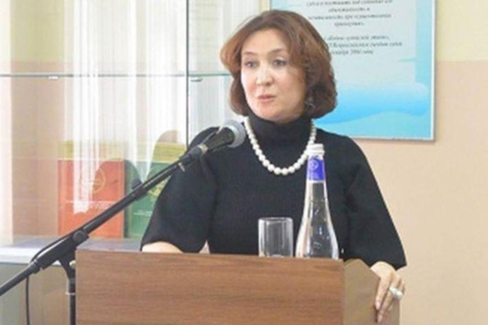 Судью Елену Хахалеву сняли с очередного поста