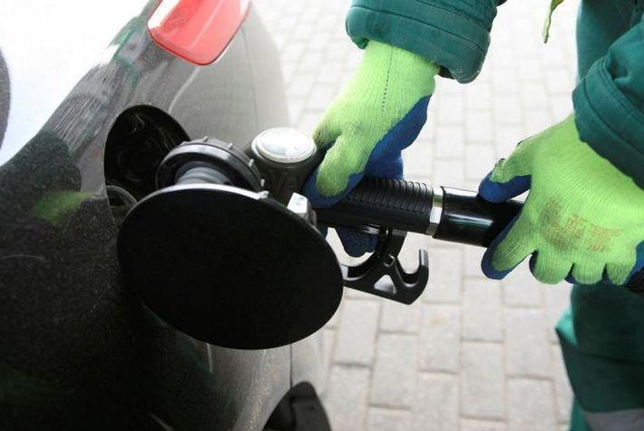 Независимые АЗС готовы продавать бензин по 30 рублей за литр