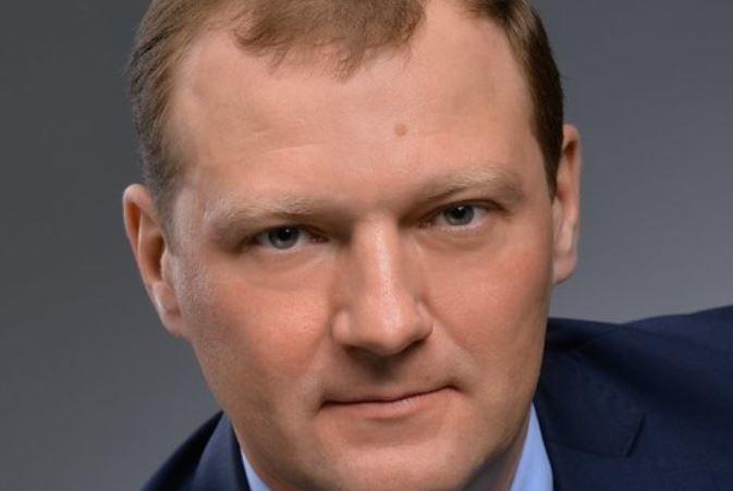 Не желающий платить за многодетные семьи омский депутат добил