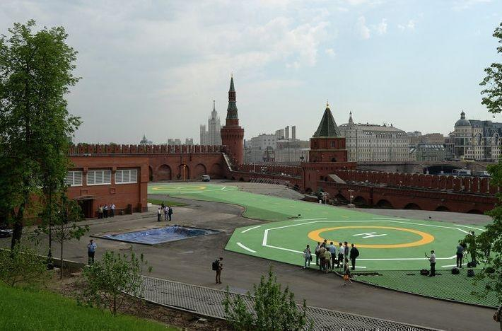Эксперты прокомментировали видео с военными вертолетами над Кремлем