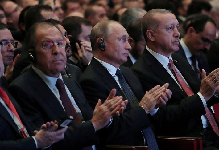 Коэн: изолировать Россию в принципе трудно — а с её дипломатией и вовсе невозможно