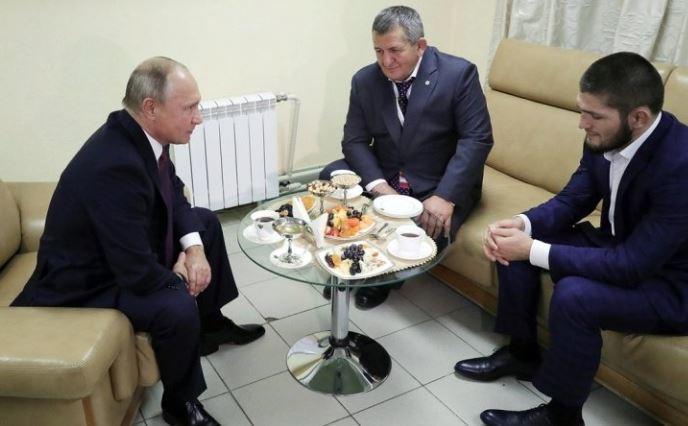 Появилась информация о том, что сказал Путин Нурмагомедову после победы над Макгрегором