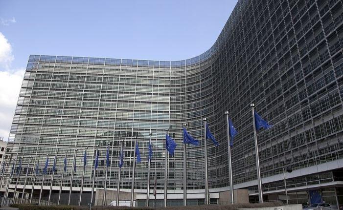 Евросоюз и Британия внесли изменения в сделку по Brexit из-за Испании