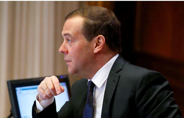 Медведев предрек скорое появление в РФ «умных» дорог