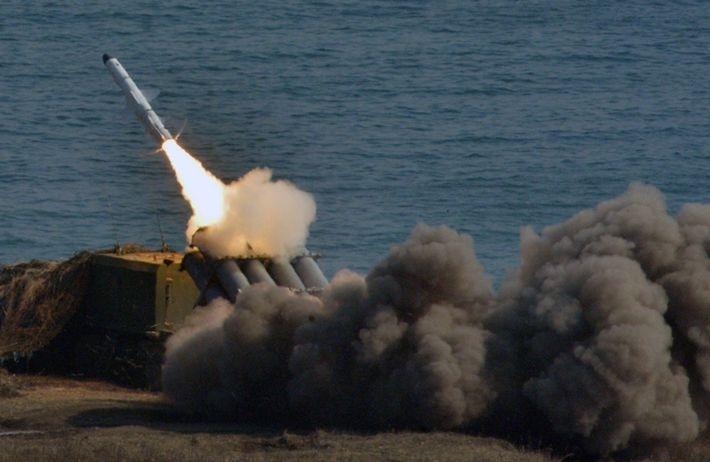 Ракетные комплексы «Бал» провели учения в Крыму