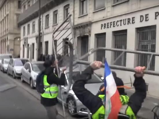 Массовые беспорядки начались в Париже
