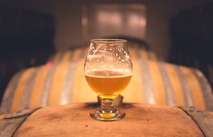Российский психиатр прокомментировал эффект от порядка употребления пива и вина