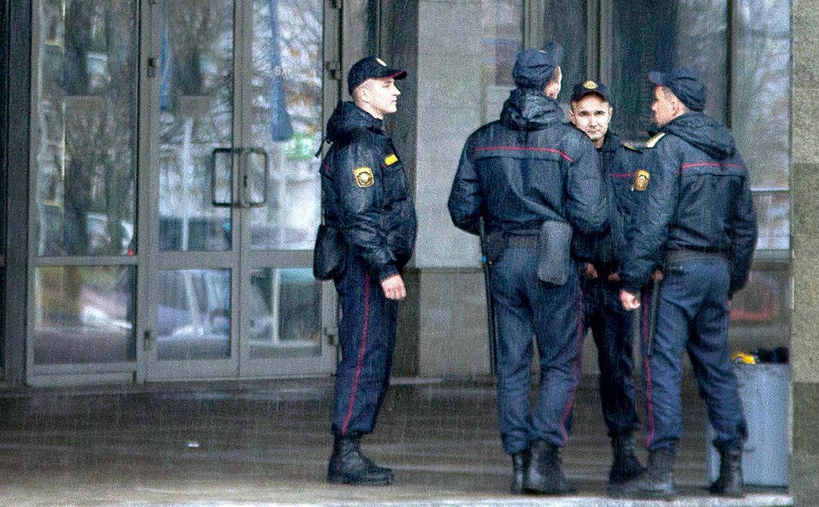 В Белоруссии школьник с ножом убил учительницу и подростка