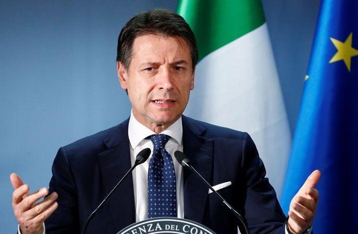 Италия сообщила о работе над отменой антироссийских санкций