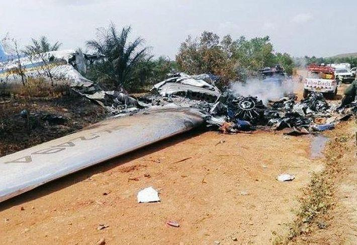 В Колумбии разбился самолет, 12 человек погибли