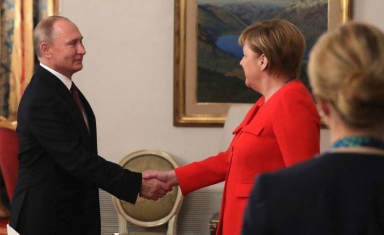 Немецкий политолог пояснил отказ ФРГ воевать с Россией вопреки «повелению США»