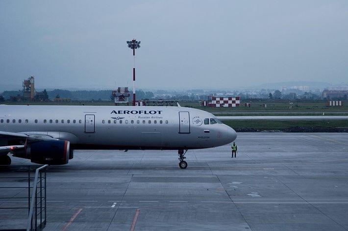 Агрессивный пассажир заплатил 1 млн рублей за вынужденную посадку самолета
