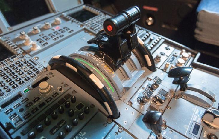 СМИ сообщили, что пилоты Boeing-737 разбирались в управлении лайнерами через планшеты