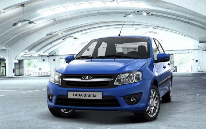 Стал известен топ-5 самых дешевых автомобилей в России в апреле