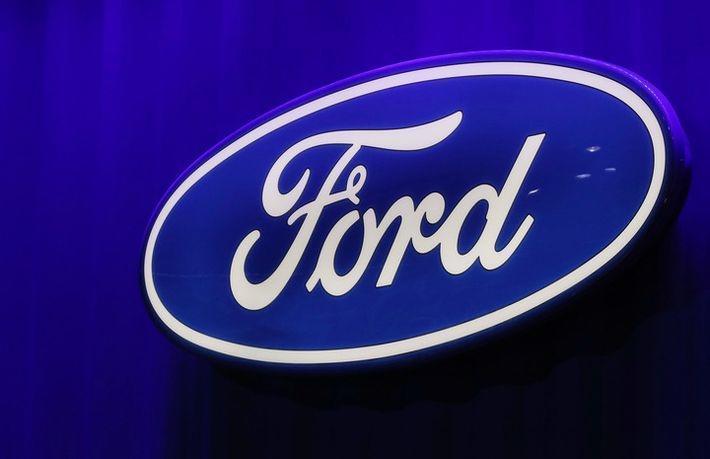 Ford начал распродавать свои авто в России