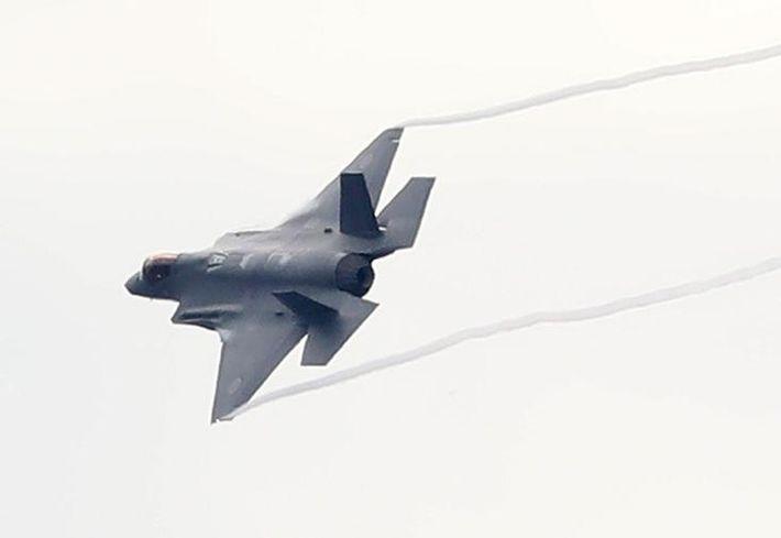 Японские истребители поднялись в небо для перехвата российского Ил-38