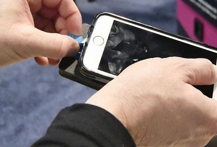 Эксперты раскрыли четыре правила зарядки смартфона
