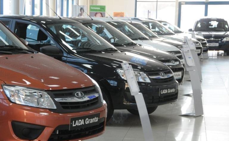 Автоэкперт пояснил, как сбить цену на новую машину
