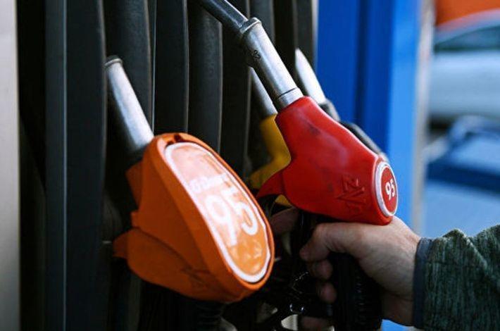 Нефтяники получат 450 млрд рублей для сдерживания цен на топливо