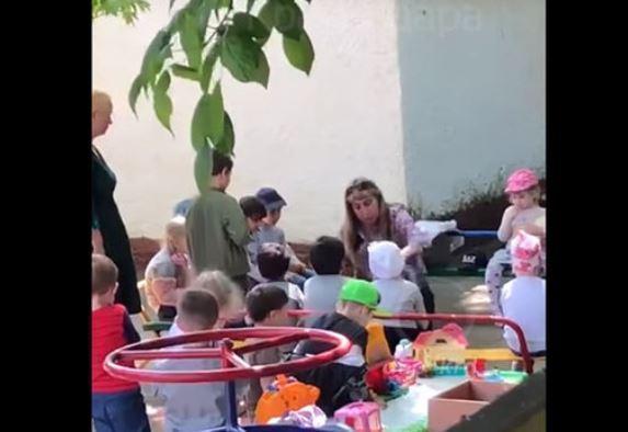 Заведующая детсадом, заставившая ребенка целовать землю, будет уволена