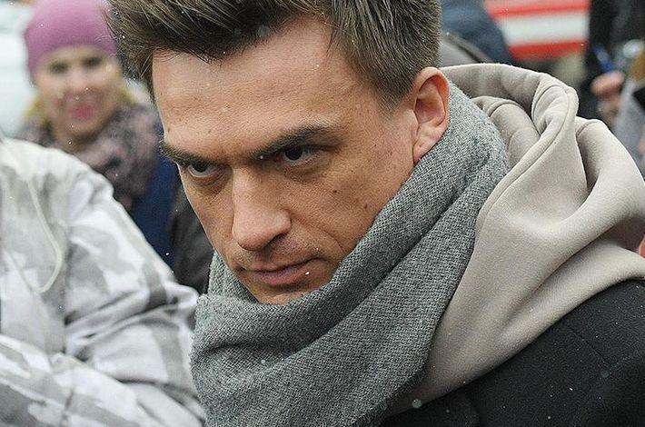 Певец Влад Топалов попал в ДТП