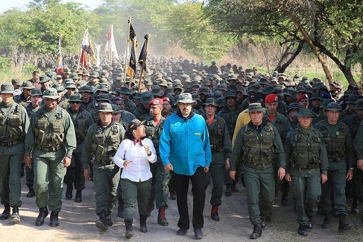 Мадуро после попытки госпереворота изгнал из армии более 50 военных