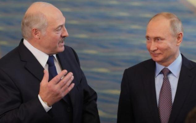 Лукашенко уговаривают подставить Путина