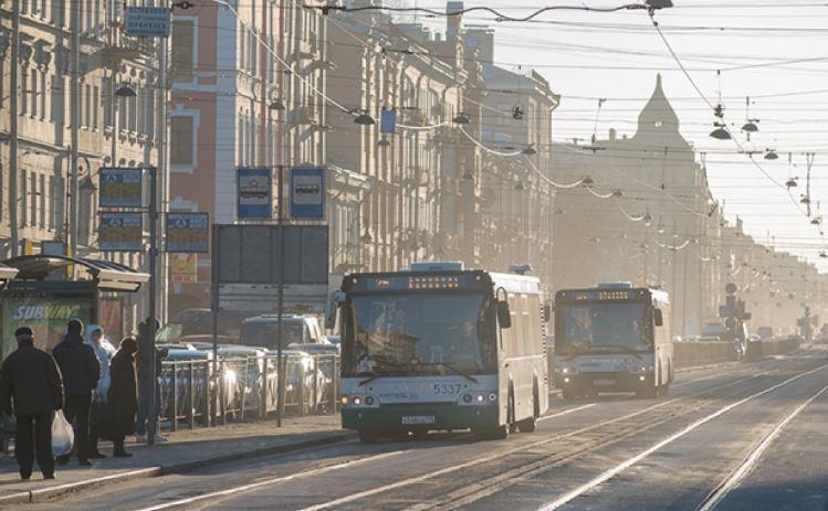 Скорость движения транспорта зимой могут снизить в России