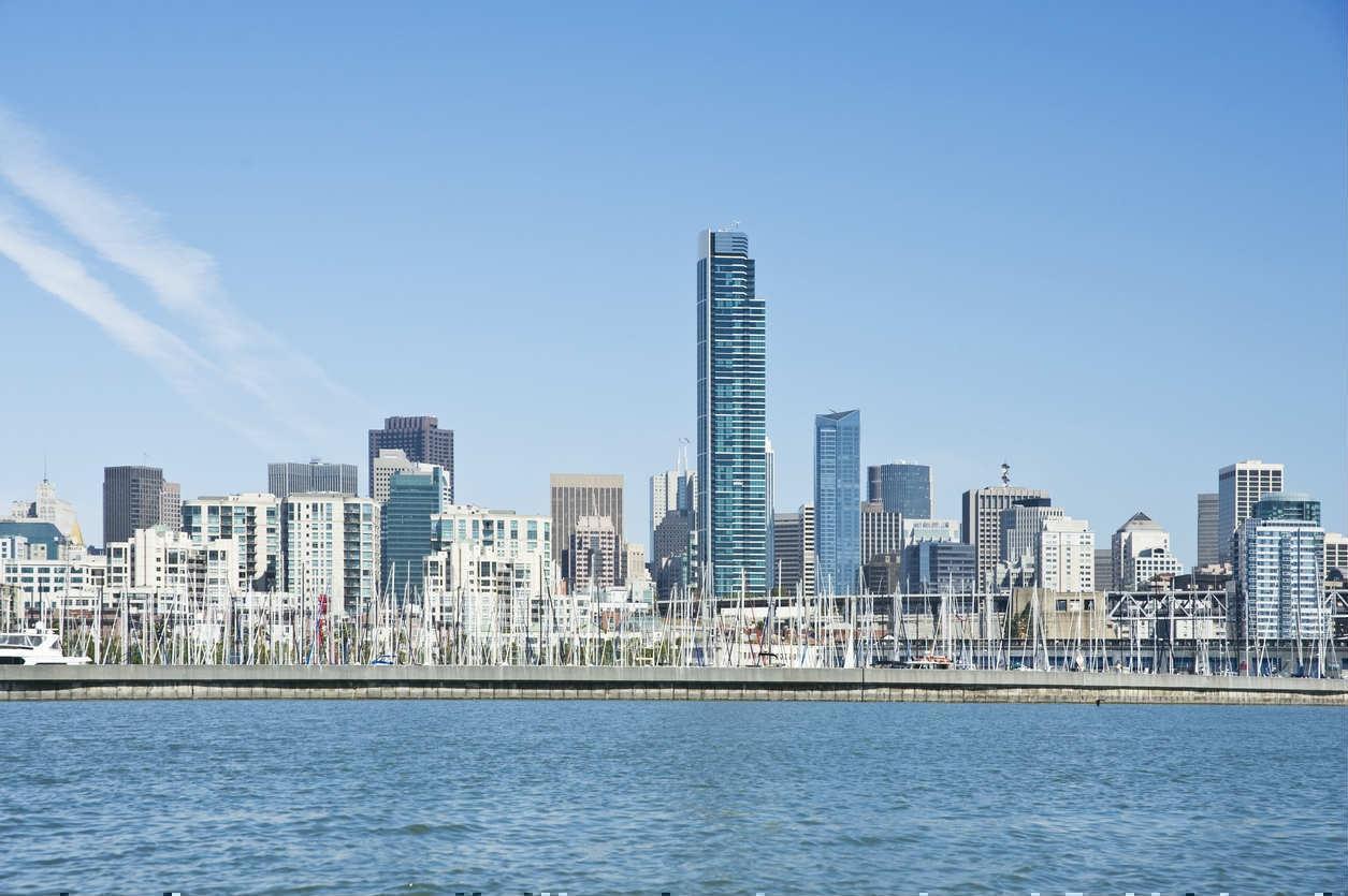 Bloomberg назвал города с самыми высокими зарплатами и доходами