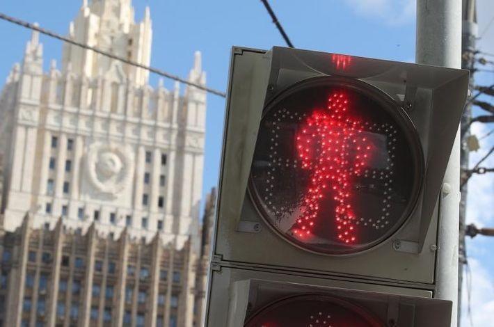 Российский МИД выразил надежду на адекватность Зеленского