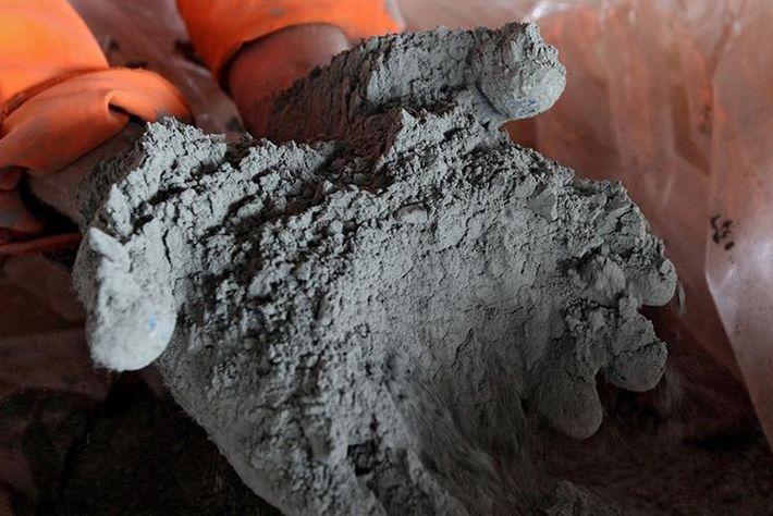 Украина ввела запретительные пошлины на цемент из РФ