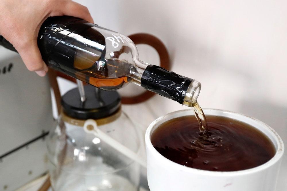 Врачи поведали об опасности совмещения чая и алкоголя