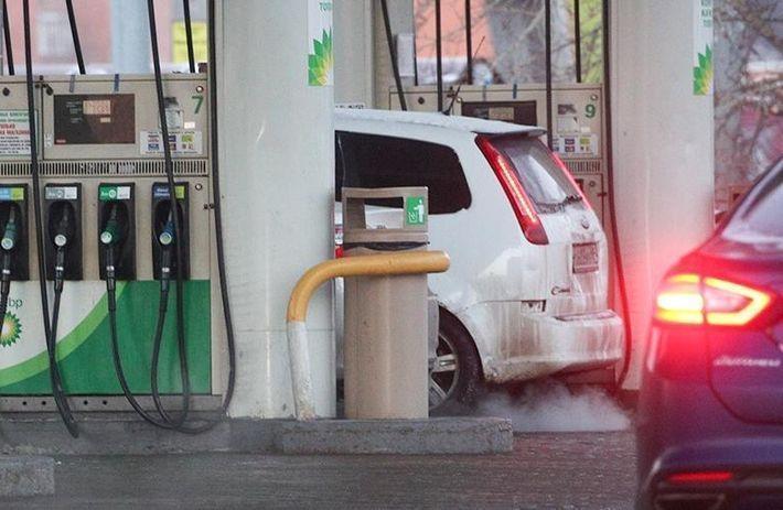 РТС попросил Козака остановить рост цен на топливо