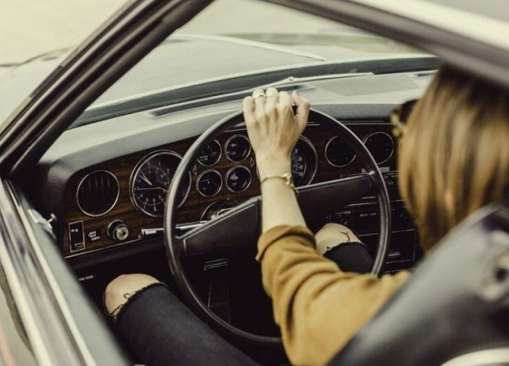 Эксперты смогли доказать, что женщины водят лучше мужчин