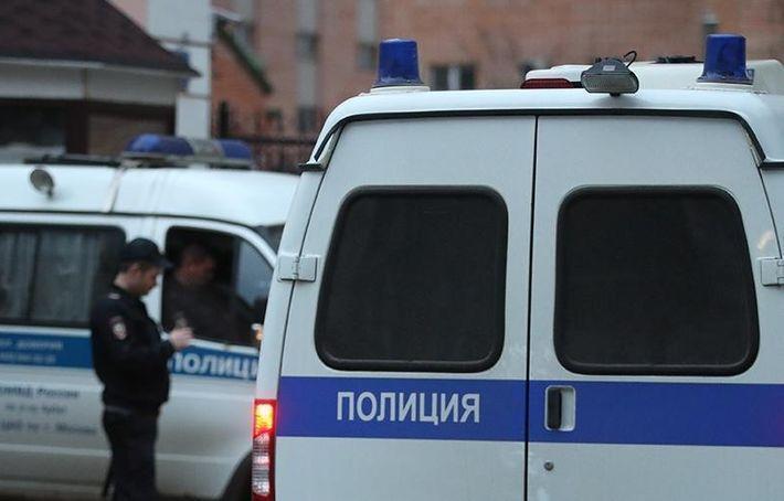 В Якутии на директора школы напали с ножом