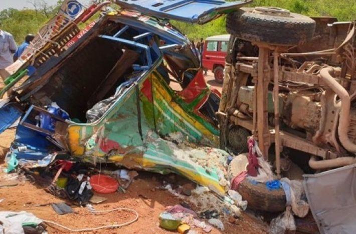 Как минимум 20 человек стали жертвами столкновения автобуса и грузовика в Мали