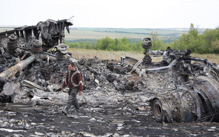 Премьер Малайзии обрушился с критикой на следствие по MH17 за попытку обвинить Россию