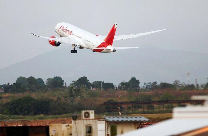 Во время перелёта из Перу в Аргентину из-за турбулентности пострадали 15 человек