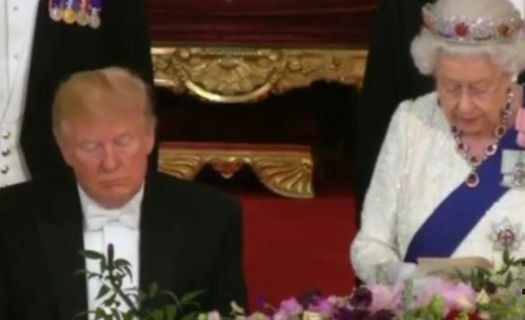 Заснувшего под тост Елизаветы II Трампа сняли на видео